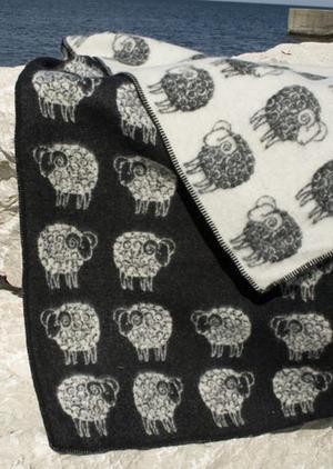 Sheep Svart//Vit 130x180 Jaquardvävd ullpläd