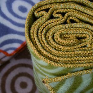 Circles grön/grön 130x180 Jaquardvävd ullpläd