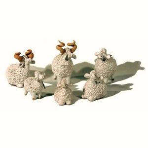 Lamm, liggande vit