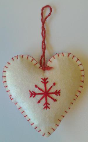 Hjärta vitt tovat m. snöstjärna