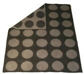 Dots grå/svart 130x180 jaquardvävd ullpläd
